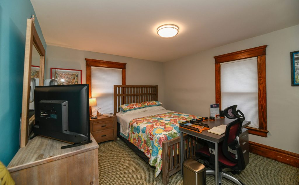 The Anniebabe Room - Bedroom 2 - Berrodin Bed & Breakfast - 44302